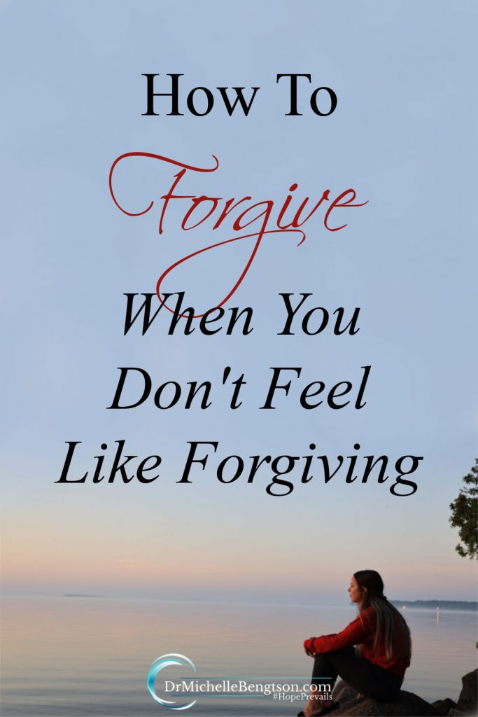 When someone hurts you, you don't always feel like forgiving them. Forgiveness is not about forgetting what a person did. It's about trusting God to handle a situation. Read more for how to forgive someone when you don't feel like it. #forgiveness #hope #faith #trustGod